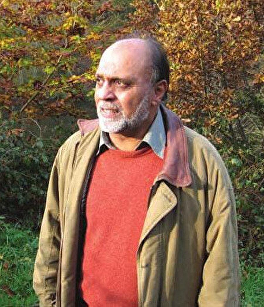 Nihayet Dergisi Mayıs sayısında Fazlun Khalid'in 'Virüs Yönetimi' yazısı da yer aldı.