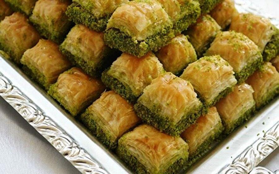 Baklava, Türk, Orta Doğu, Balkan ve Güney Asya mutfaklarında yer etmiş önemli bir hamur tatlısıdır.