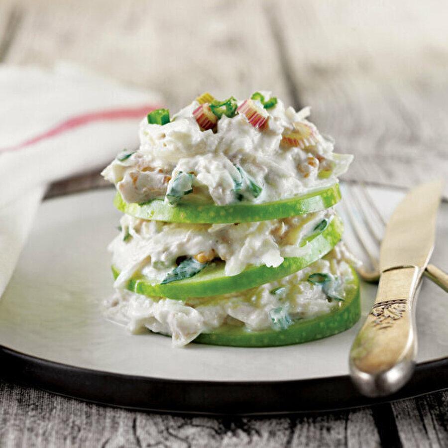 Ton balıklı kereviz salatası