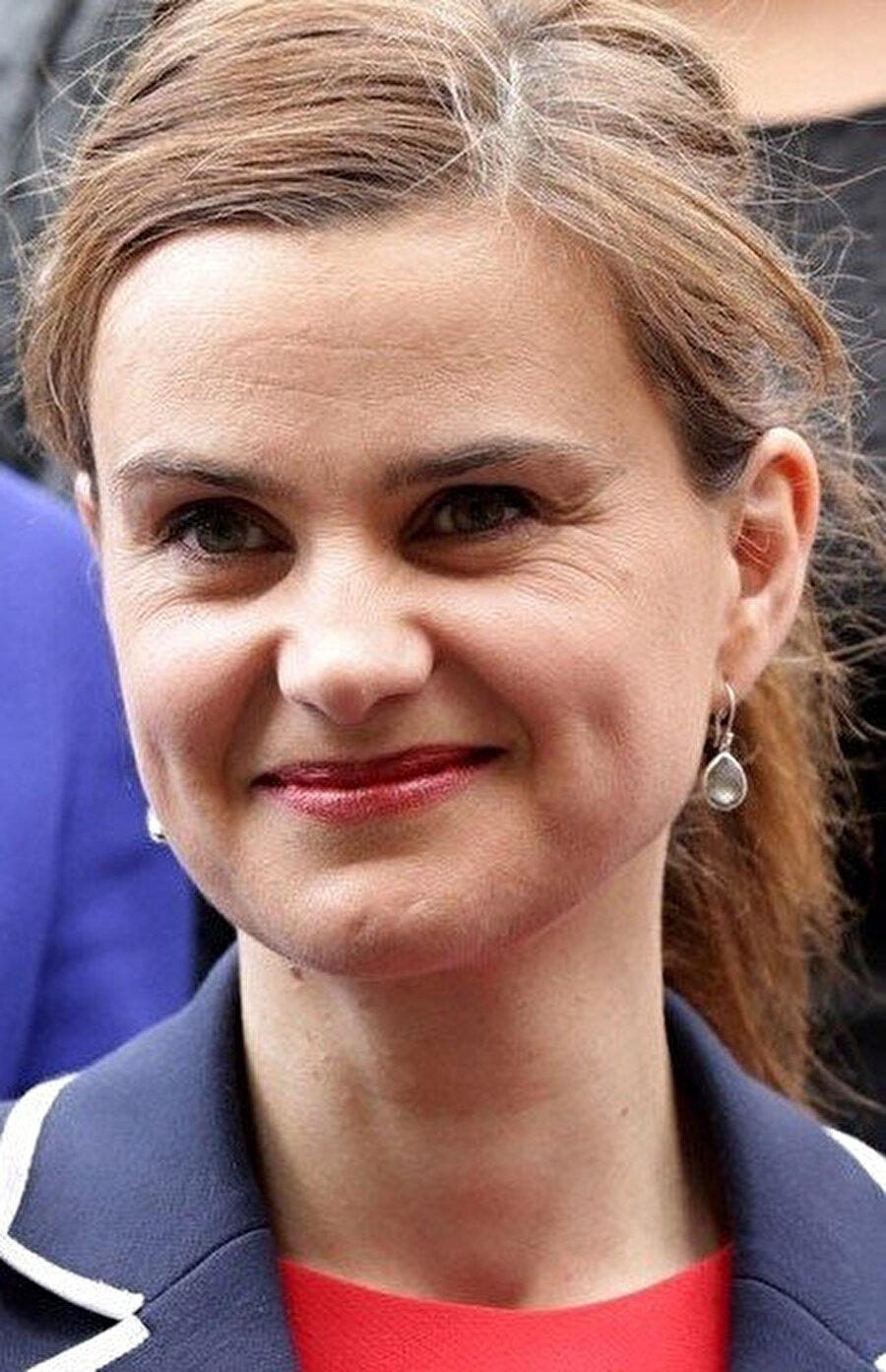 """Muhafazakâr Parti'den milletvekili Tracey Crouch'un """"yalnızlık bakanı"""" olarak atanacağı belirtildi."""