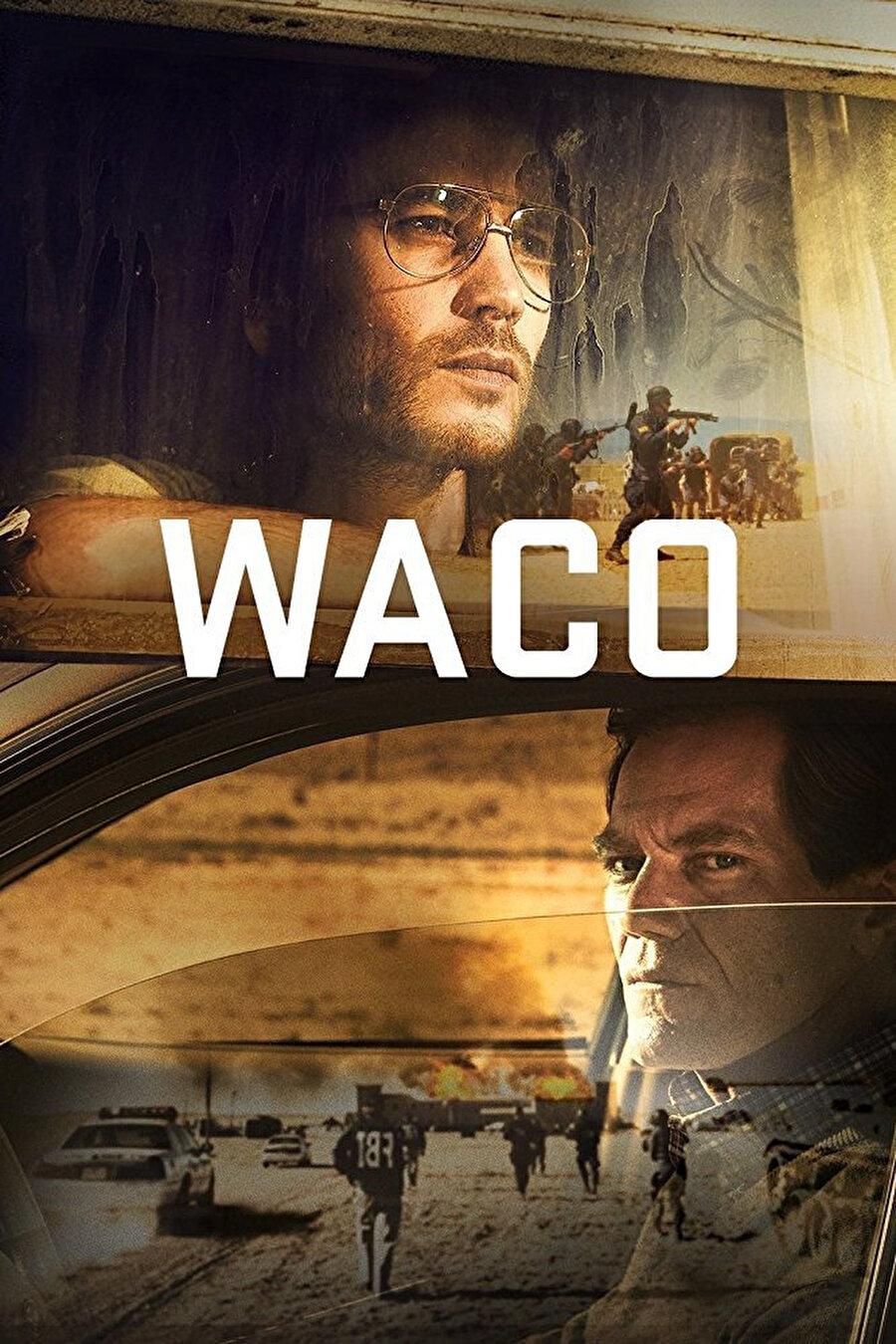 """1993 yılında Teksas'ta yaşanan gerçek bir olayı konu alan 6 bölümlük mini dizi Waco, David Koresh isimli bir ABD'li tarafından """"Branch Davidians"""" adıyla kurulan bağımsız bir mezhebin hızla fundamentalist bir tarikata dönüşerek, ATF ve FBI'ın takip listesine girmesiyle başlayan gelişmeleri ekrana taşıyor. Dizide, tarikat üyelerinin yaşadığı çiftliğe yönelik FBI'ın gerçekleştirdiği ve büyük bir trajediyle sonuçlanan 51 günlük """"Waco Kuşatması"""" tüm detaylarıyla işleniyor. Çarpıcı konusu ve gerilimiyle yılın en çok konuşulacak yapımları arasında yer alan dizinin başrolünü ise Taylor Kitsch ve Michael Shannon paylaşıyor."""
