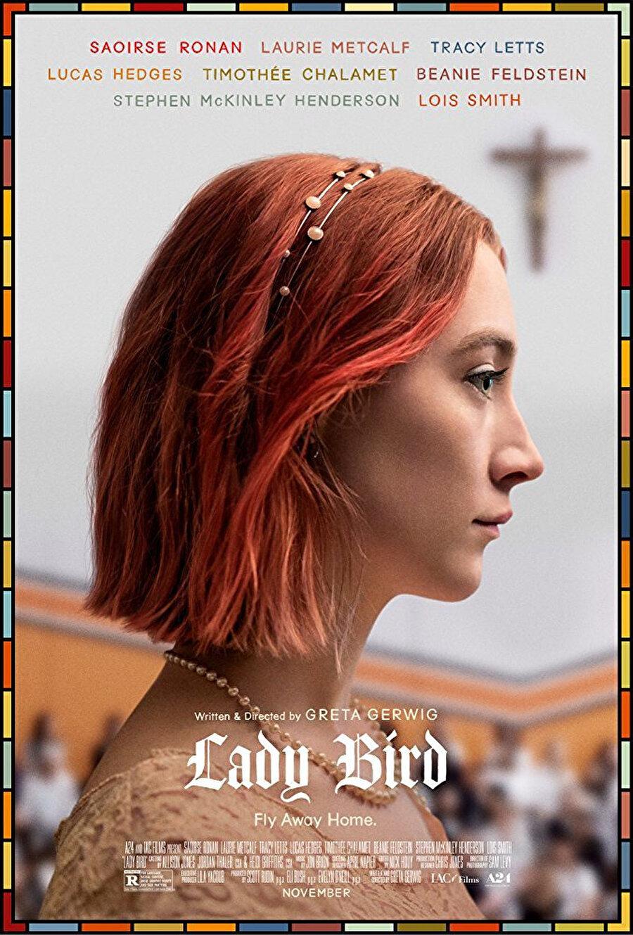 2002 yılında, Sacramento Kaliforniya'da geçen film, Lady Bird lakaplı on yedi yaşında bir genç kızın hikâyesini anlatıyor. Lady Bird'ün yaşadığı tüm güzel olaylar, anne-kız ilişkisinin zorlukları, büyümenin bedelleri ve yuva özlemiyle sınanıyor.