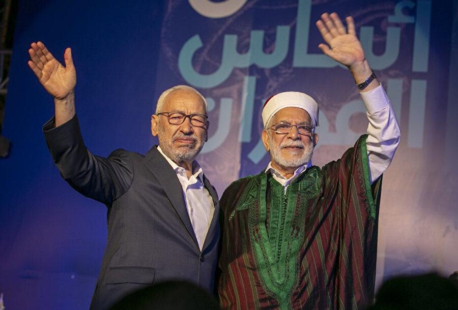 2019 yılındaki seçimlerde Nahda Hareketi Partisi'nin cumhurbaşkanı adayı Abdulfettah Moro (sağda).