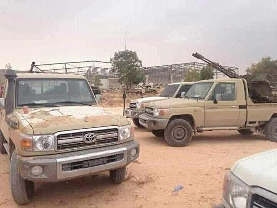 Libya'daki askeri araçlar böyle görüntülenmişti.