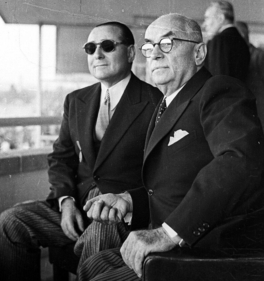 Adnan Menderes Celal Bayar ile birlikte