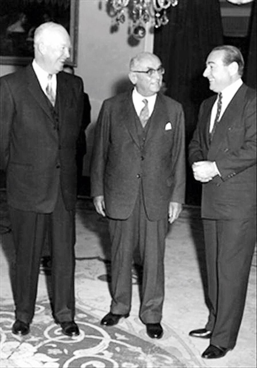 Menderes Celal Bayar ve ABD Başkanı Eisenhower ile