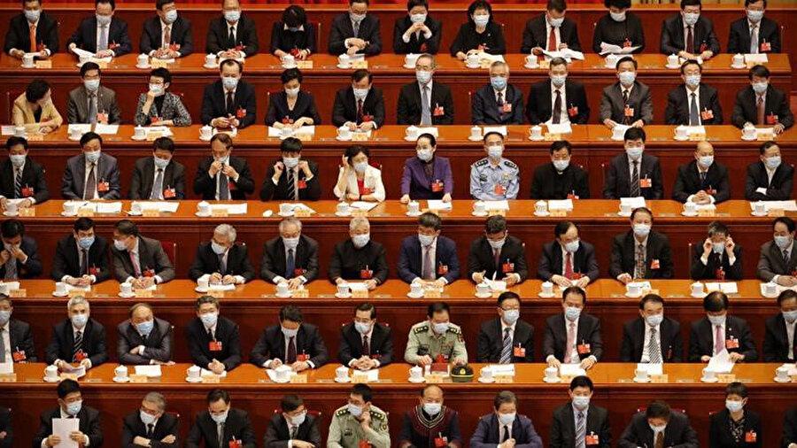Ulusal Güvenlik Yasası 2 bin 878 delegenin oyuyla kabul edildi
