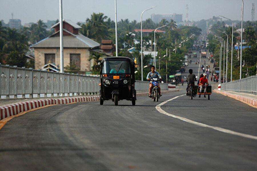 Müslüman Rohingyalara ait toprakların işgal edildiği Sittwe kenti.
