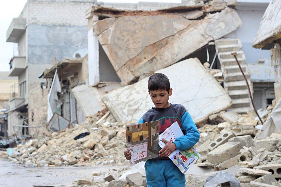 Birleşmiş Milletler Çocuklara Yardım Fonunun (UNICEF) raporlarına göre, Suriye'de üç çocuktan biri eğitim alma hakkından mahrum.