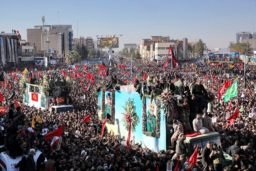 İran'ın Kirman kentinde Kasım Süleymani için düzenlenen cenaze töreninde meydana gelen izdihamda 40 kişi yaşamını yitirmişti.