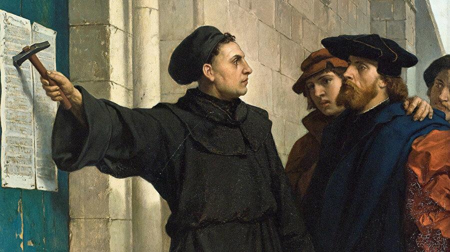 """Luther için bir insanın mesleği, iş hayatının günlük faaliyetlerini gerçekleştirirken Tanrı'ya ibadet etmesi demekti. Meslek fikrini en kesin biçimde """"iktisadi kazancın zahidane takibine dönüştüren"""" Kalvincilik oldu."""
