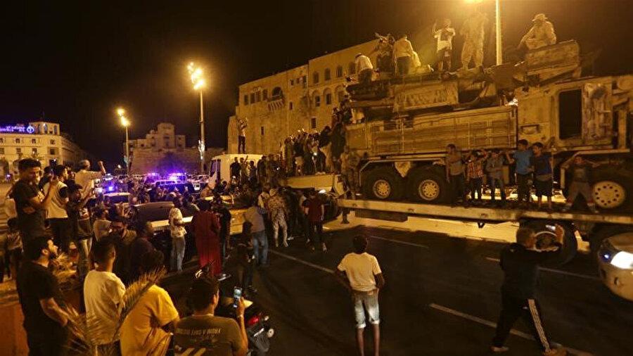 Libya ordusu tarafından imha edilen Hafter güçlerine ait bir hava savunma sistemi.