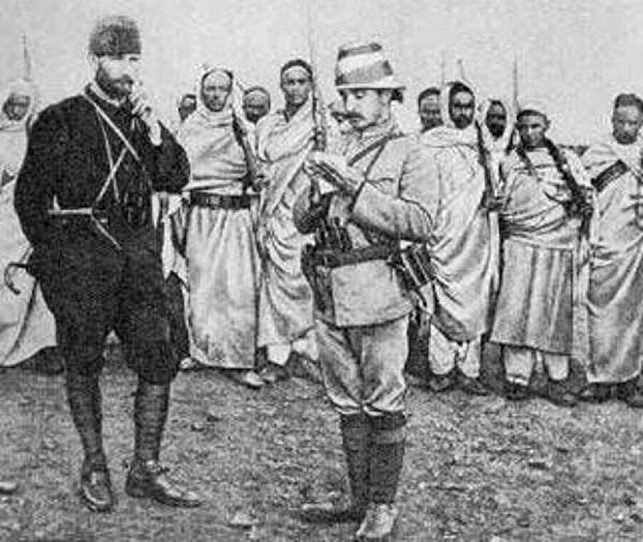 Mustafa Kemal, Osmanlı subayı ve Libyalı mücahitler.