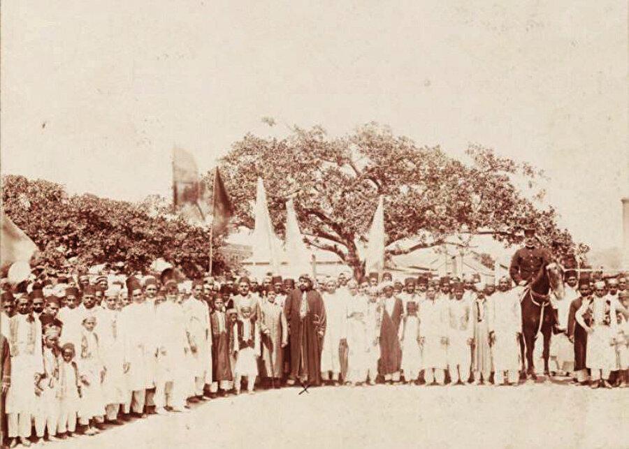 Güney Afrika'da Durban şehri Müslümanlarının Sultan Abdülhamid'e gönderdikleri kutlama fotoğrafı, 1905