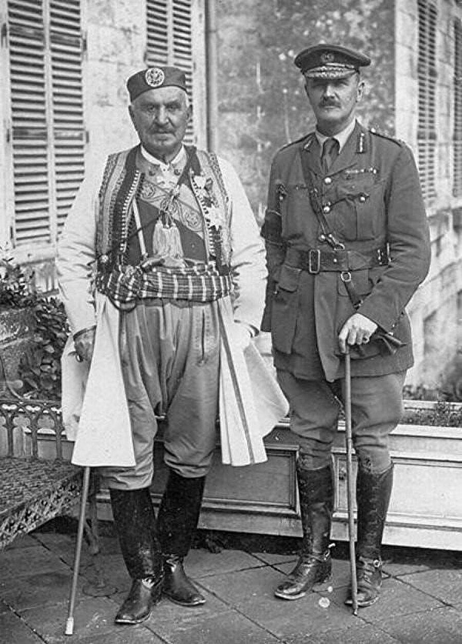 Edmund Allenby. (sağda)