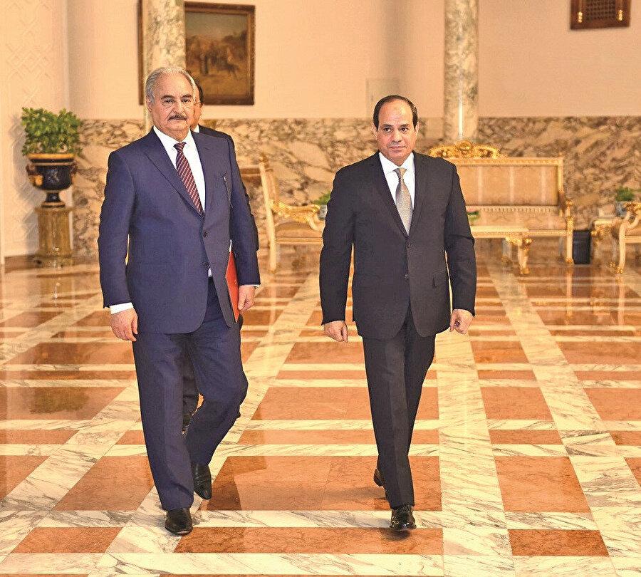 Hafter Kahire'de Sisi ile.