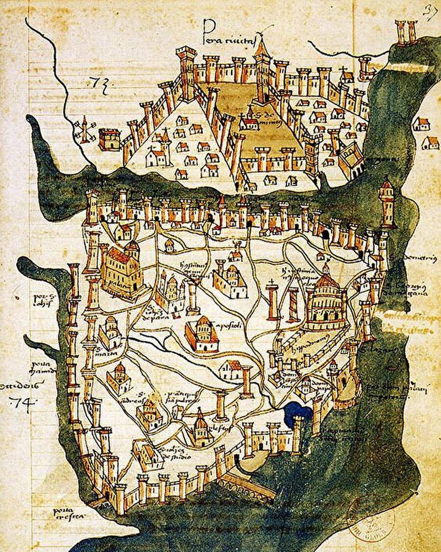 Duvarlarından haritaları, kitaplarından kelimeleri çalınmış insanlarız biz.