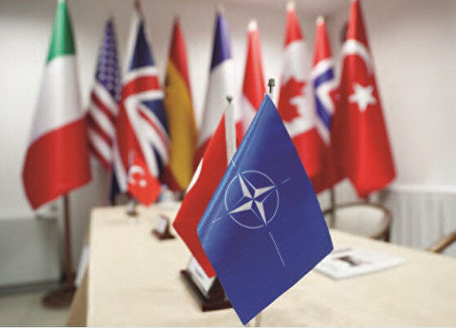 Libya konusunda şu ana kadar mükemmel bir strateji ile ilerleyen Türkiye ise, NATO'ya yapılan şikâyeti ciddiye almak yerine, olayı bir adım daha ileri götürdü.
