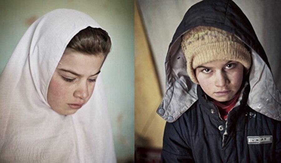 Kızlarından birini iki yıl erkek gibi giydirdikten sonra bir oğlu olduğunu anlatan anne çok mutlu görünüyor.