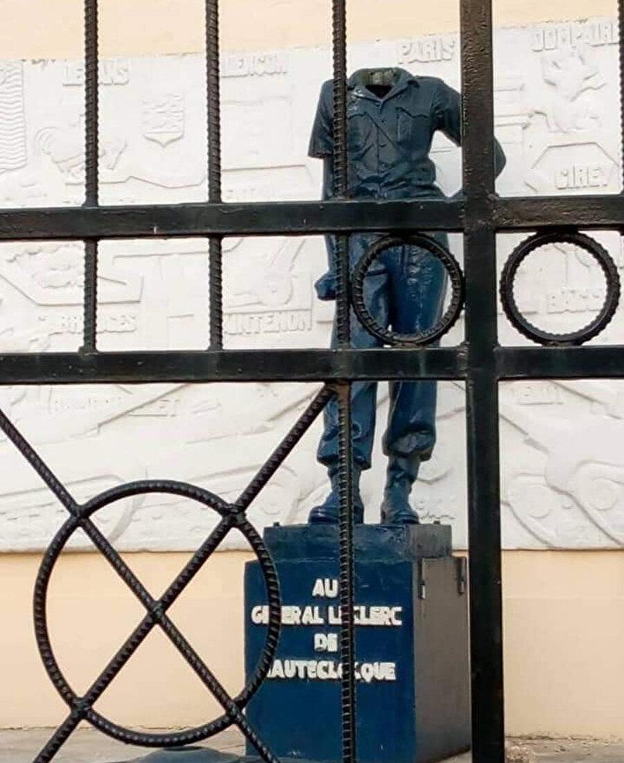 Essama'nın sürekli hedef aldığı General Leclerc heykeli artık özgür değil.
