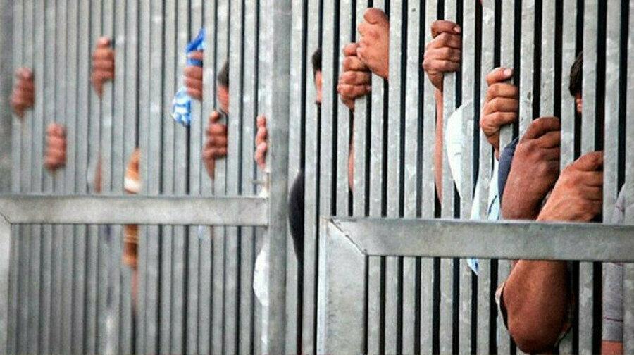 Esed rejimi sadece Müslüman kesimi tutuklayıp zindanlara tıkmadı.