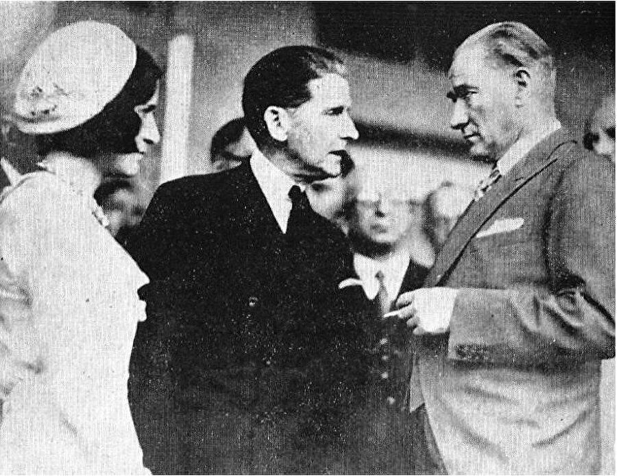 Mustafa Kemal Thomas Whittemore ile