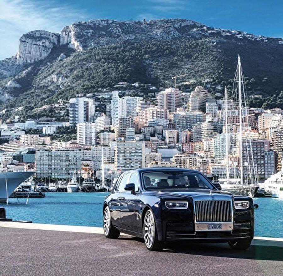Monaco, 1297 yılında kurulmuş, Avrupa'da Kuzeybatı Akdeniz kıyılarında yer alan bağımsız bir şehir devleti ve prensliktir.