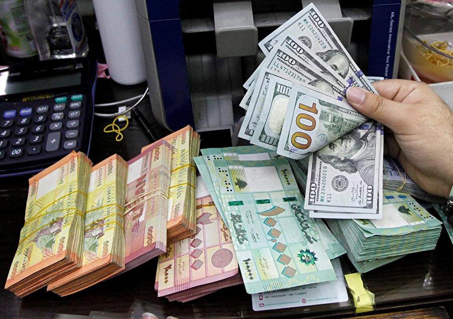 Lübnan'da yerel para birimi dolar karşısında yüzde 80 civarında değer kaybetti.