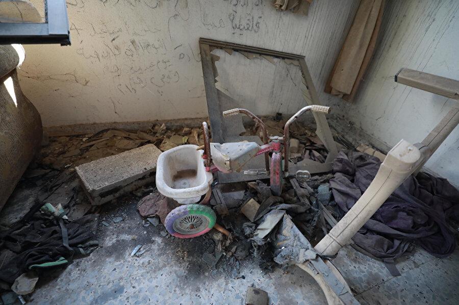 Devabişe ailesine ait ev, vahşetin boyutunu tüm çıplaklığıyla gözler önüne seriyor.