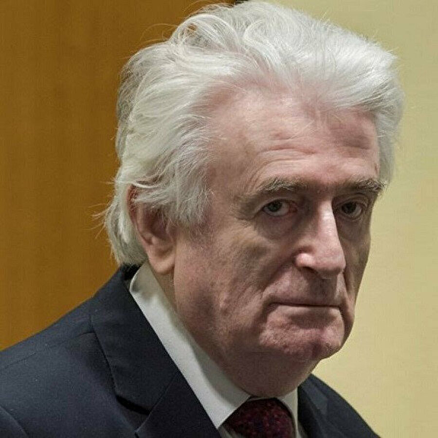 Bosna Kasabı Radovan Karadziç mahkeme salonunda.