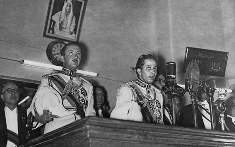 Prens Abdulilah (solda), Kral İkinci Faysal'ın (sağda) naipliği vazifesini uzun yıllar yürüttü.