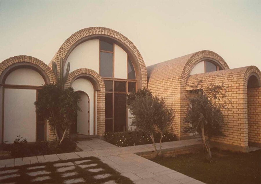 Rıfat Çadırcı imzalı Hamud Villası'nın dışarıdan görünüşü.