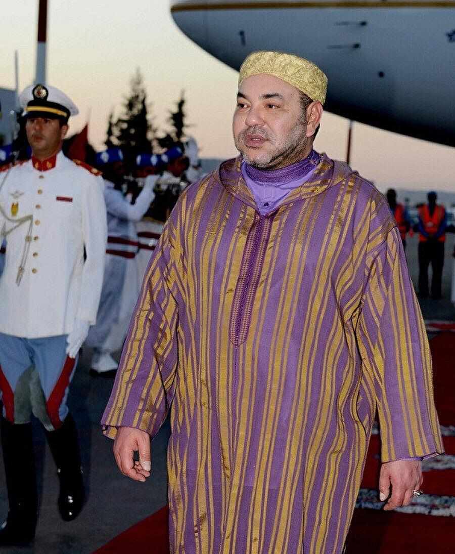 Yaklaşık 20 yıldır tahtta bulunan Kral Altıncı Muhammed, Mahzen sistemini güncel siyasi yapıya adapte ederek sürdürüyor.