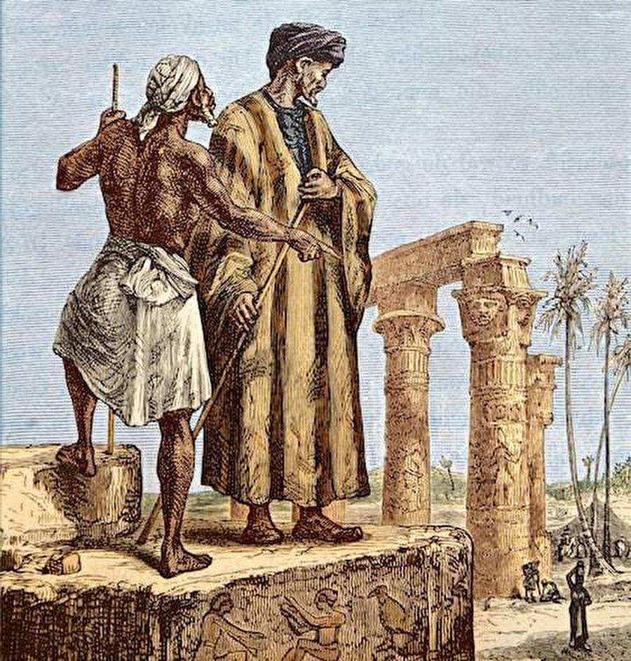 Mensubu olduğu Levâte kabilesi Berberî asıllı olup Berka'dan Tanca'ya göçmüşlerdir