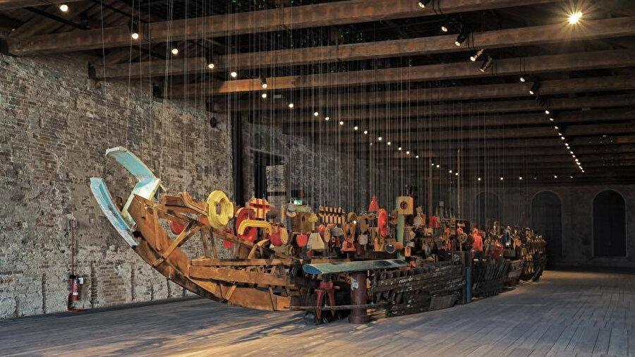 Venedik Bienali 15. Uluslararasi Mimarlik Sergisi, Türkiye Pavyonu da Darzana adı proje, görenlerin dikkatini çekiyor.