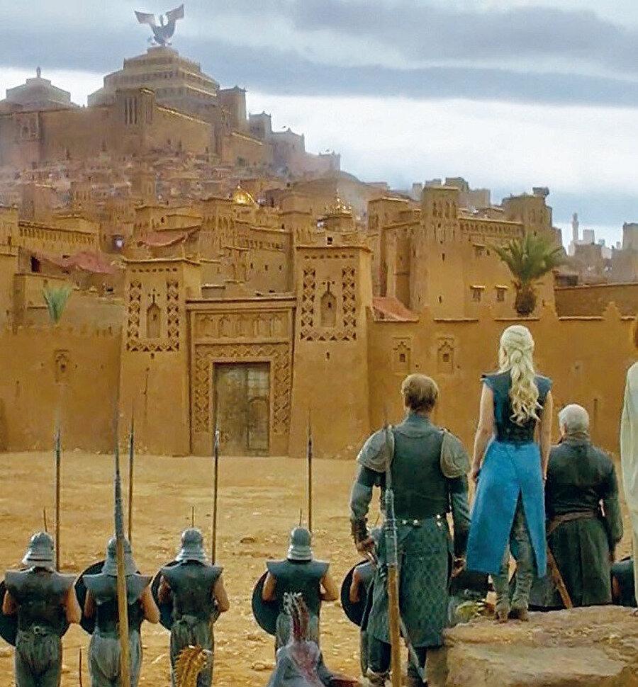 Şehir aynı zamanda Fas film endüstrisinin merkezi olduğu gibi, çöl temalı pek çok yabancı film de burada çekilmiştir.