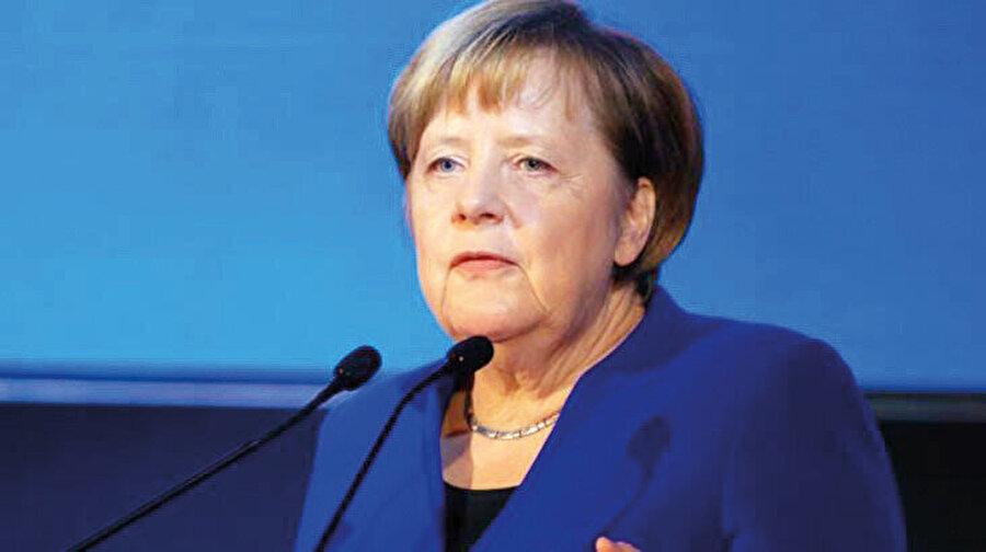 Alman devleti 30 yıl boyunca yetim çocukları sapıkların eline vermiş.