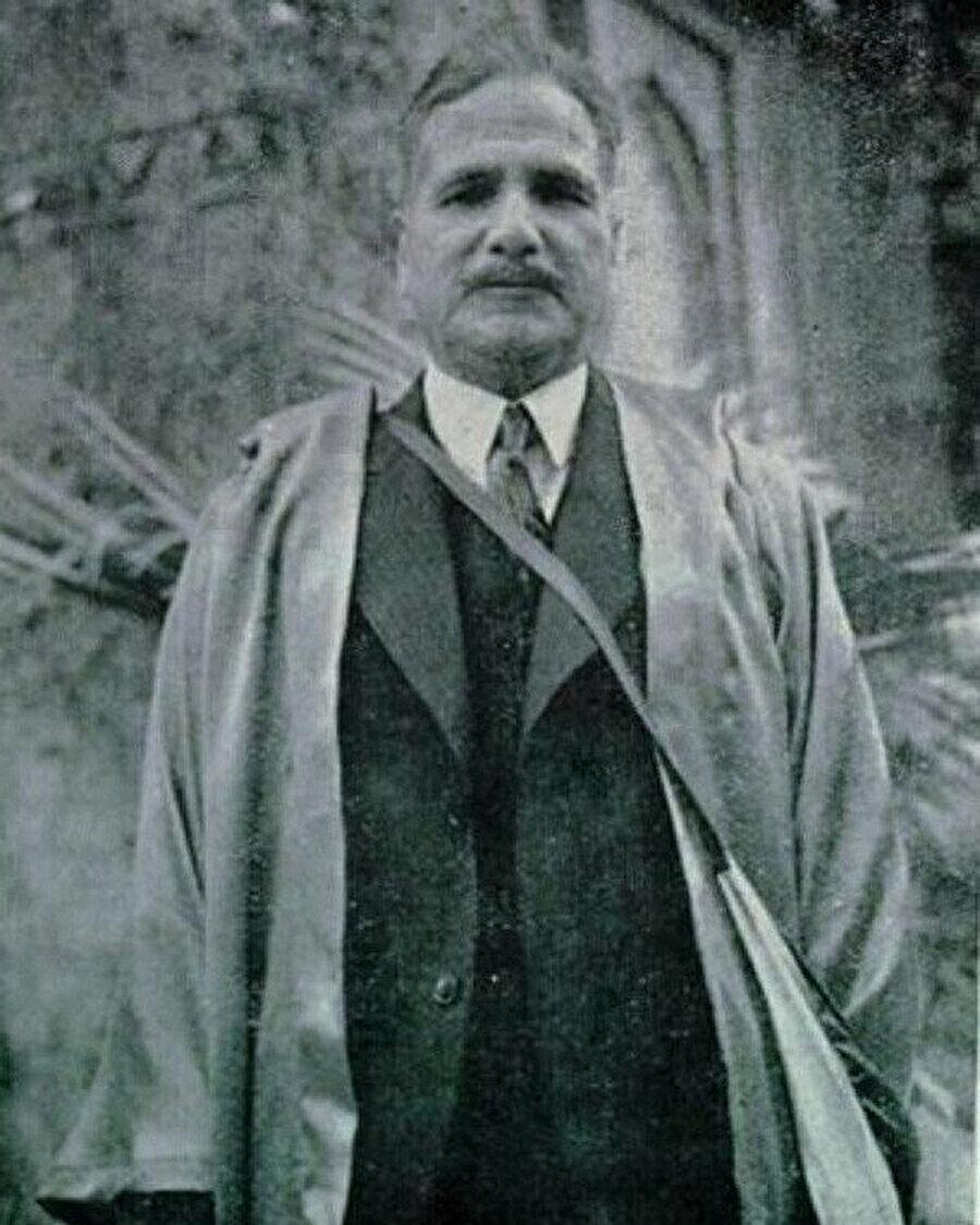 Cinnah'ın Muhammed İkbal'le tanışması, hem kendisinin hem de Pakistan'ın geleceği adına önemli bir kırılmaya sebep olmuştu.