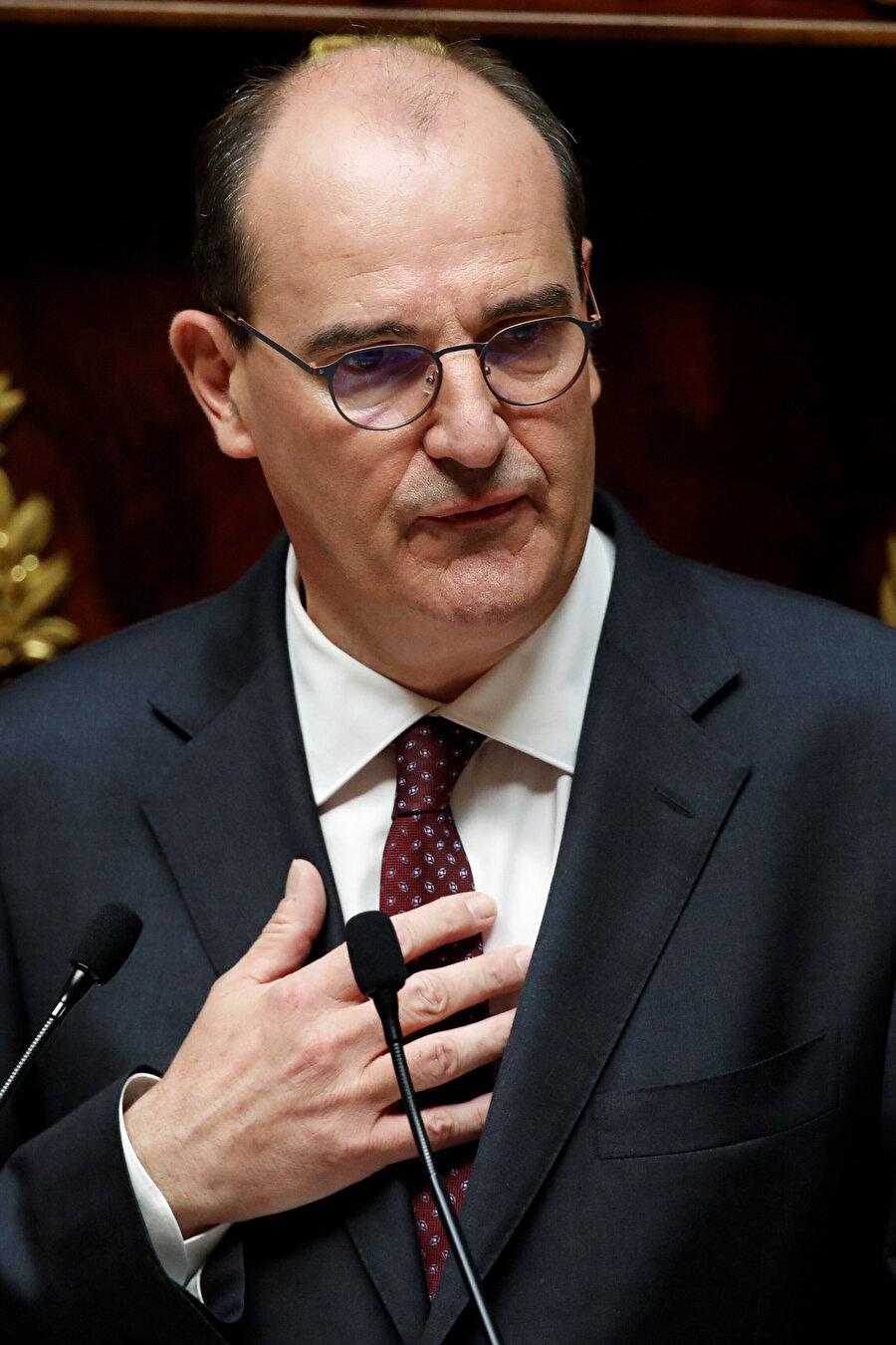 Jean Castex siyasal İslam'la mücadelenin hükümetin önceliği olduğunu açıkladı.
