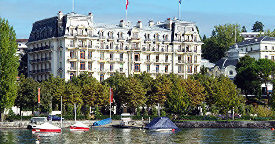 Lozan Barış Antlaşması'nın imzalandığı Beau-Rivage Palace oteli.