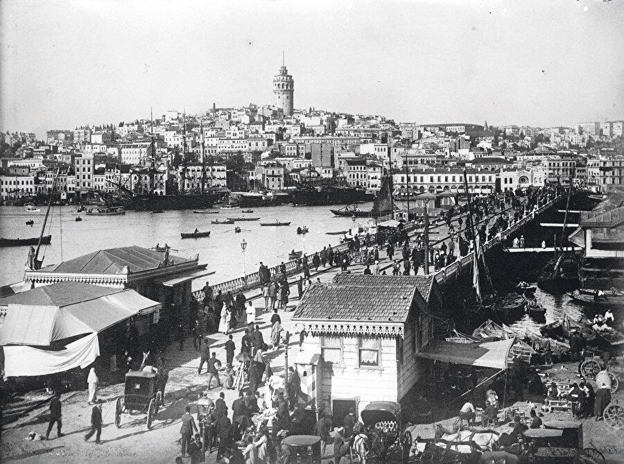 Türk evi yapmaktan öte, Türk evini olduğu yerlerde bırakıp, koruyabilseydik, olayı çözmüştük. Boğaziçi, Tarihi Yarımada, Galata, Eyüp, Üsküdar, Zeytinburnu korunabilirdi.
