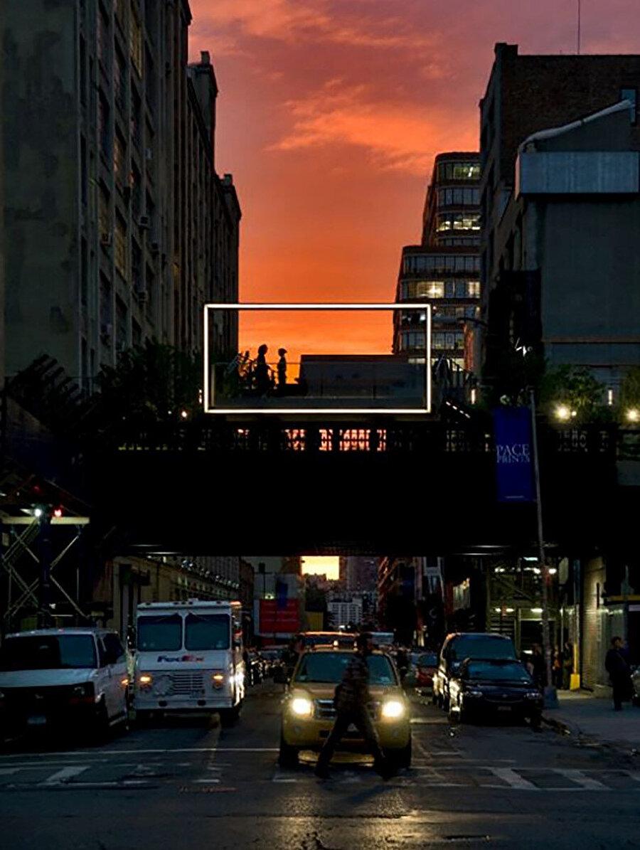26. Caddeden bir fotoğraf.