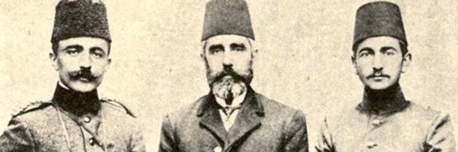 Enver Bey, babası Hacı Ahmed ve kardeşi Nuri Bey.