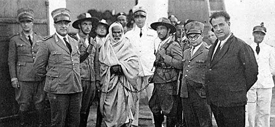 İtalyanlara esir düşen Ömer Muhtar.