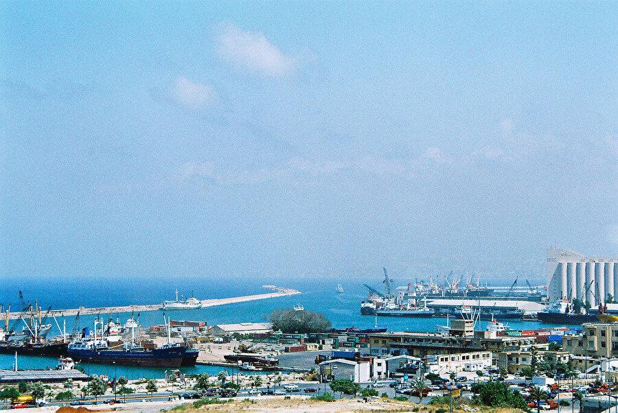 Patlama öncesi Beyrut Limanı