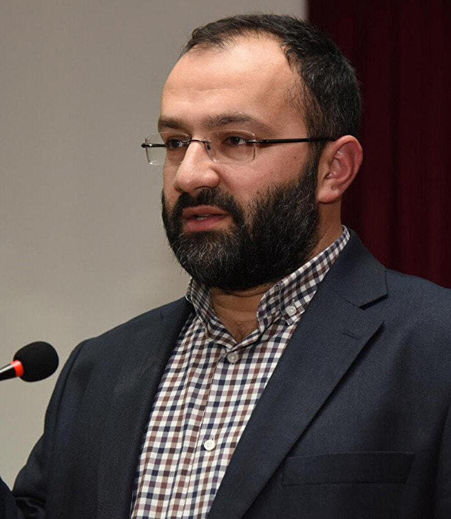 Mecra Genel Yayın Yönetmeni ve Yeni Şafak Yazarı Taha Kılınç