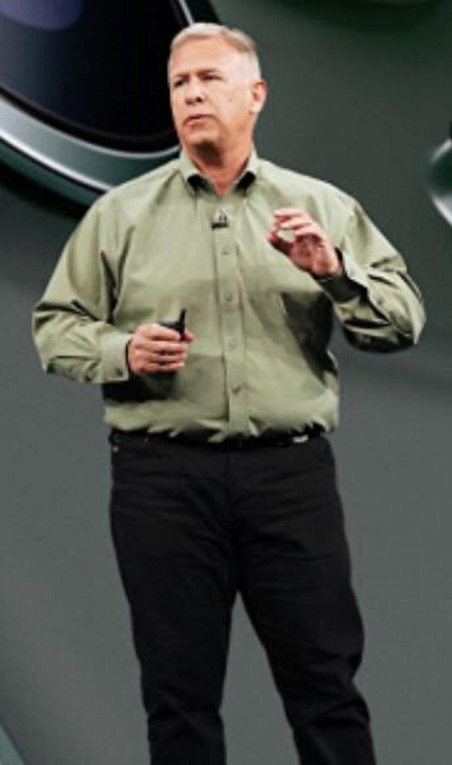 Phil Schiller, 33 yıldır Apple'da pazarlama alanında önemli bir pozisyonda görev alıyor.