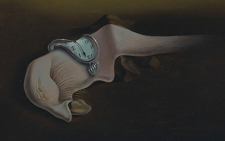Dali'nin diğer birçok eserinde de yer alan otoportre çalışması.