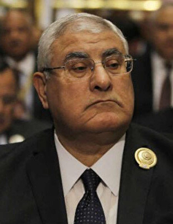 İhvan, Mısır'da 2013'teki darbenin ardından göreve gelen geçici Cumhurbaşkanı Adli Mansur döneminde aynı yılın aralık ayında terör örgütü ilan edilmişti.