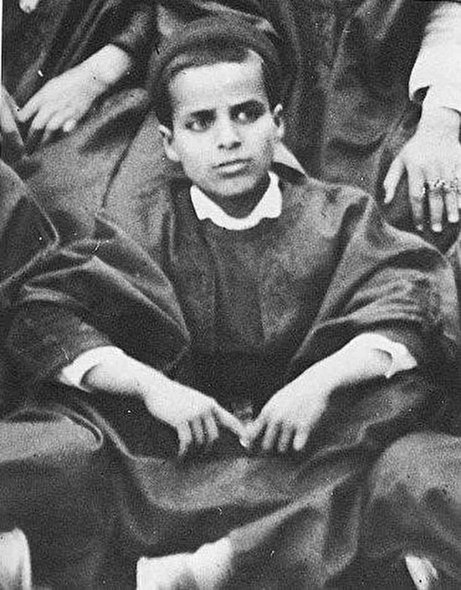 Burgiba'nın ilkokul yıllarından bir fotoğraf.